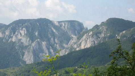 Das Trasceau Gebirge mit seinen berühmten Schluchten