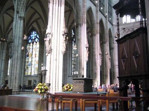 Bild aus dem Inneren des Kölner Doms