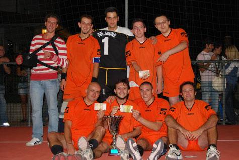 I Mc Rocòl, la squadra di calcio a 5 di Berzo vincitrice del torneo 2009!