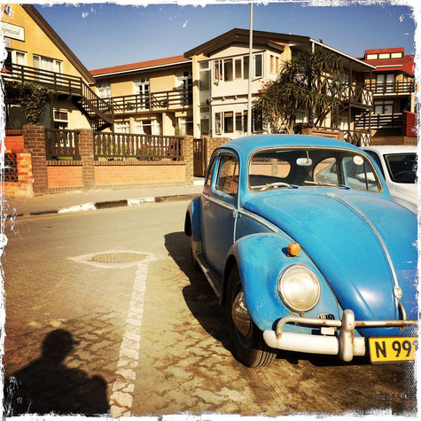 VW Käfer vor dem Hotel Pension Rapmund in Swakopmund