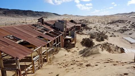 Geisterstadt im Diamantensperrgebiet nahe Lüderitz in Namibia