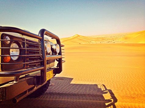 mit dem landrover durch die wüste bei swakopmund mit der living desert tour
