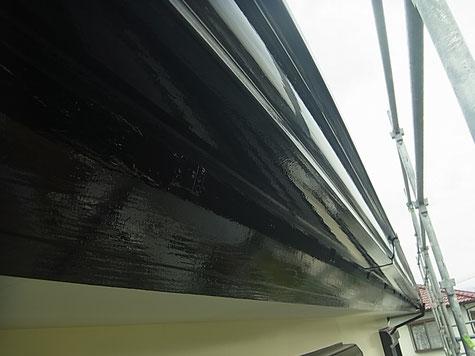 熊本市I様家外壁木部を黒色で塗装しました。接写で撮影しました。