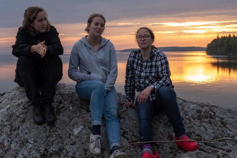 Ricarda, Klara und Hanne vor dem Mälaren