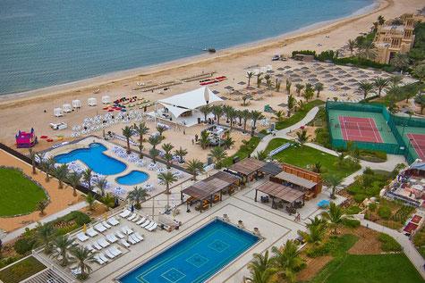 Reise Ras al Khaimah Urlaub im Hotel Al Hamra Palace Beach Resort am Strand