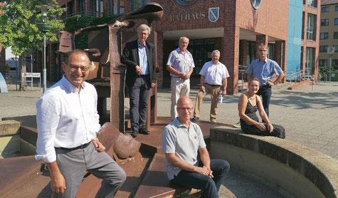 v.l.n.r.: Grigorios Aggelidis (MdB), Thomas Siekermann, Matthias Kenzler (vorn), Gerhard Kier, Arpad Bogya, Christiane Hinze und Michael Ferking