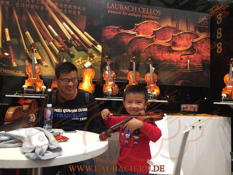 Скрипичная мастерская Лаубах на музыкальной выставке в Шанхае.