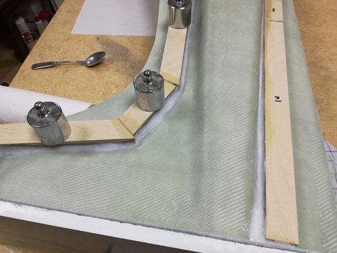 beide Formhälften wurden dann so mit den Rahmenleisten verstärkt.