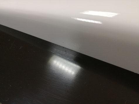 gesäubert sieht die Kante dann so aus ! Perfekte Trennebene zwischen Urmodell und Form.