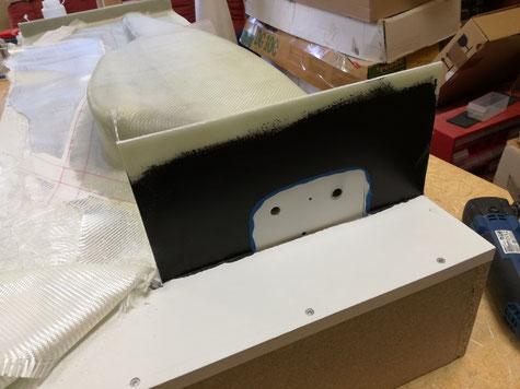 eine Woche später konnten dann die Bretter an Motorhaube und Seitenleitwerk entfernt werden.
