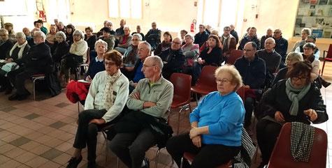Le public de La Chaume est venu nombreux à la réunion d'information.