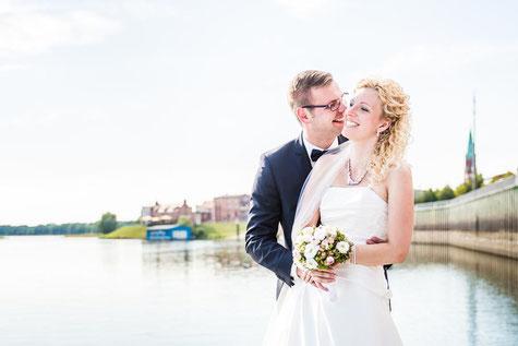 Hochzeitsfotograf aus Wittenberge. Heiraten in der Alten Ölmühle in Wittenberge an der Elbe.