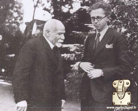 1938 - Albert Kahn interviewed by a journalist in Boulogne