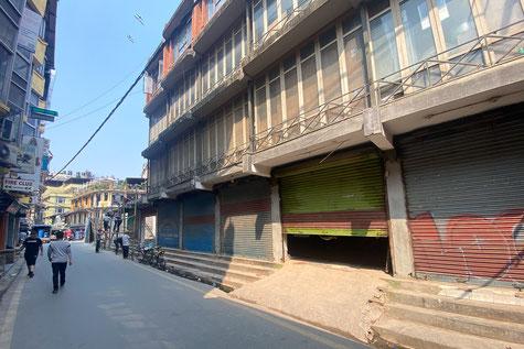 Im Touristenquartier Thamel sind viele Läden geschlossen.