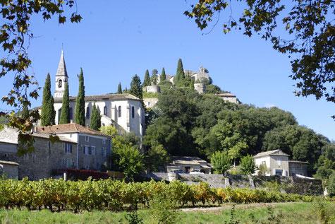 La Roque-sur-Cèze, Mittelalter Dorf