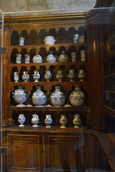 the apothecary of the old Saint-nicolas hospital in Tarascon exhibited in the castle