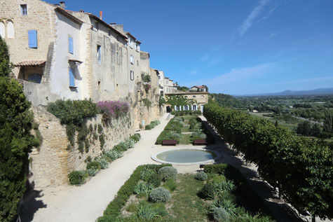 Lauris, old village of the grand Luberon