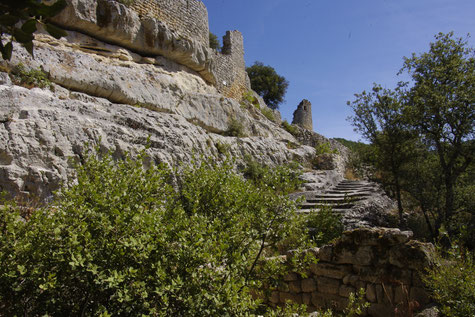 the fort of Buoux located on a steep plateau