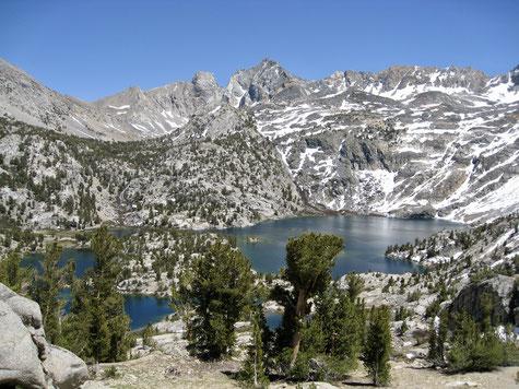 Blick auf Rae Lakes auf dem Weg zum Sixty Lake Basin