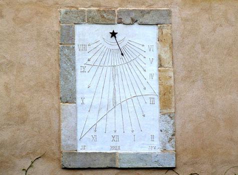 cadran solaire orienté au sud