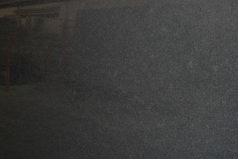Ein schwarzer Naturstein Nero Assoluto Gabbo