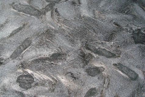 Ein grauer Naturstein namens Matrix
