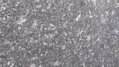 Ein grauer Naturstein Azul Noche Granit