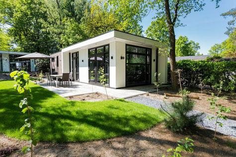 Te koop recreatiewoning op de Veluwe op huur kavel inclusief tuinaanleg en inventaris in Ede