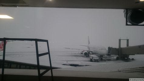 so sieht es aus wenn nichts mehr geht, Ankunft am Flughafen in Teheran