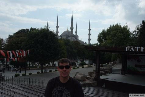 """ich vor der """"blauen Moschee"""""""