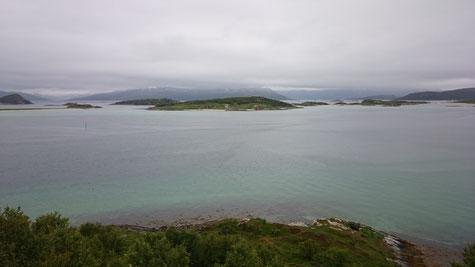Unser Aussichtspunkt auf Kvaloya von wo wir die Fähre haben abfahren sehen
