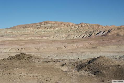 prächtiges Farbenspiel in der Kavir-Wüste kurz bevor wir vom Militär zurück geschickt wurden, gut dass ich keine Fotos gemacht hab