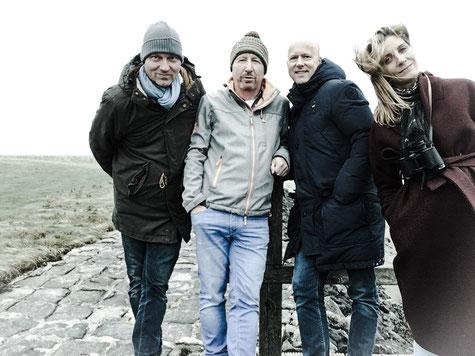 Stefan Clotz mit dem Kern-Team des Netzwerkes , Hallig Oland