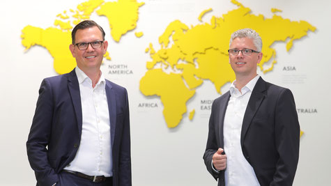 Steffen Bersch, CEO of SSI Schaefer Group, and Alexander Bernhard, Managing Director of SWAN GmbH, are pleased about the partnership strengthening the SAP competencies of both companies.