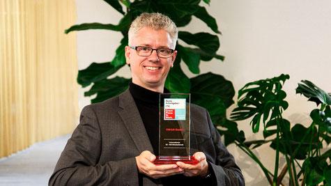 Alexander Bernhard, Geschäftsführer der SWAN GmbH, freut sich über die exzellenten Platzierungen beim Great Place to Work® Wettbewerb. Bild: Swan GmbH