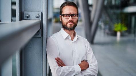 Stijn Stevens ist seit 1. Juli 2021 CTO bei der meteocontrol GmbH und präsentiert das Unternehmen beim Forum Neue Energiewelt in Berlin und auf der Intersolar in München am Stand B5.350.