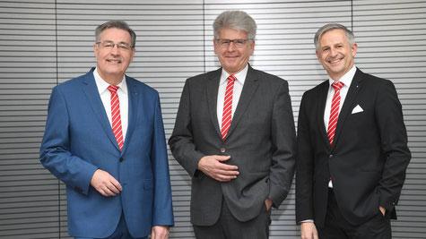 Der Vorstand der Kreissparkasse Augsburg. Von links nach rechts: Horst Schönfeld, Richard Fank, Dr. Wolfgang Zettl. (Bildrechte:  Kreissparkasse Augsburg)