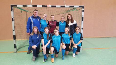 Die B-Mädchen von Großenenglis belegen Platz 3. Foto: Appel