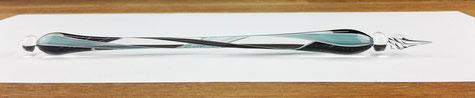 handgefertigte Glasschreibfeder mit Spiraldekor