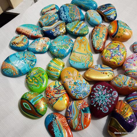Steine Wichteln Geschenke kleine Adventskalender Dot punkt