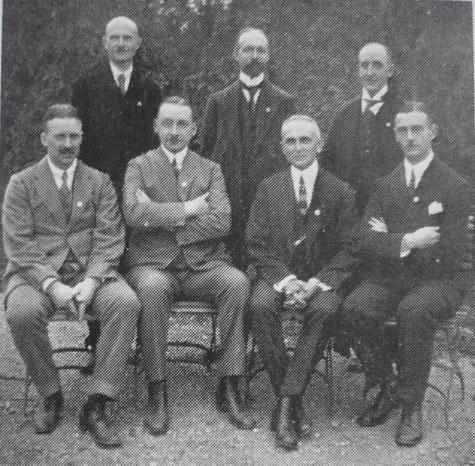 Alte 99er, 1924 anläßlich des 25 jährigen Jubiläums (Stehend v.l.: Miebach, Berk, Hermann Bassè; sitzend: Passauer, Müller, Lange, Raffenberg