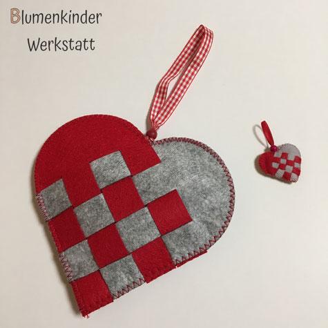 Blumenkinderwerkstatt Nordische Web-Herzen