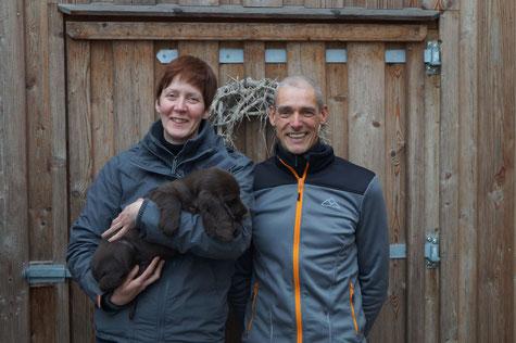 "Happy new owners...picking up ""Super Trouper"", Photo: Ulf F. Baumann"