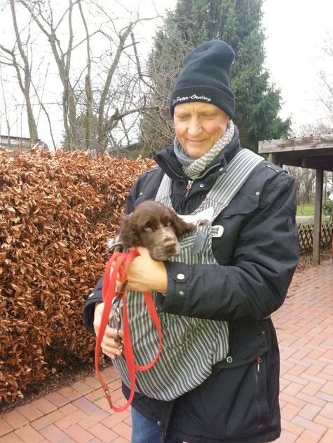 Stevie mit seinem Herrchen, Foto: Stender