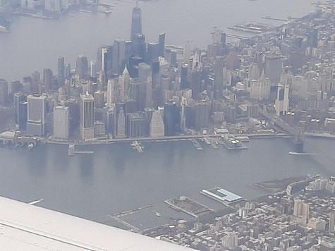 Anflug auf New York, Foto: Ulf F. Baumann