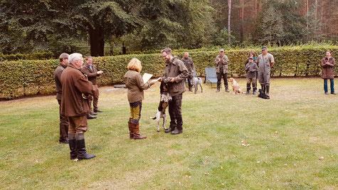 Jagdliche Brauchbarkeitsprüfung bestanden! Foto: von Schwerin
