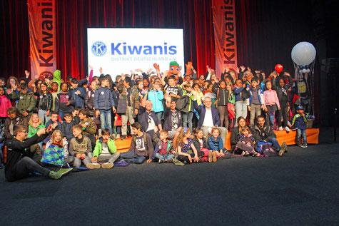 Kiwanis-Kits sagen Danke für einen unvergesslichen Tag in Kernies Familienpark in Kalkar 11. Mai 2019 - Foto: ROG