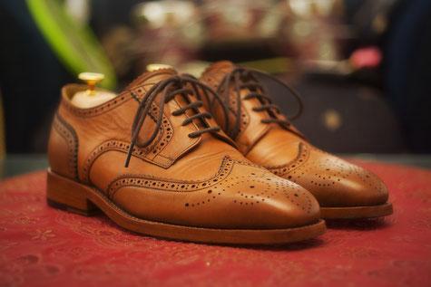 Schuhspanner in Aktion Naturholz