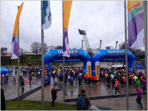 Startschuss: 588 Teilnehmer machten sich auf den Weg, die 20 Kilometer zu absolvieren.