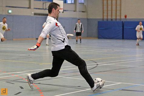 Oliver Wölkert im Spiel gegen den HSV Langenfeld (Foto: Christian Deutzmann)
